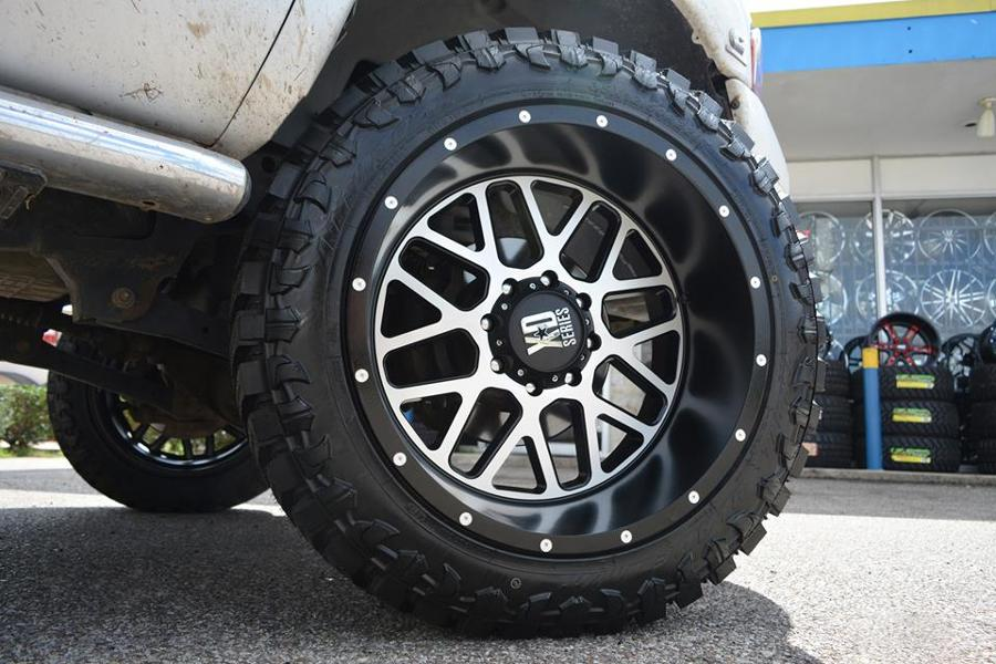 22 quot xd wheels xd820 grenade black machined rims xd071 4
